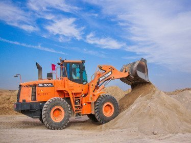 Buying Used Excavators in Dubai - Inspection tips