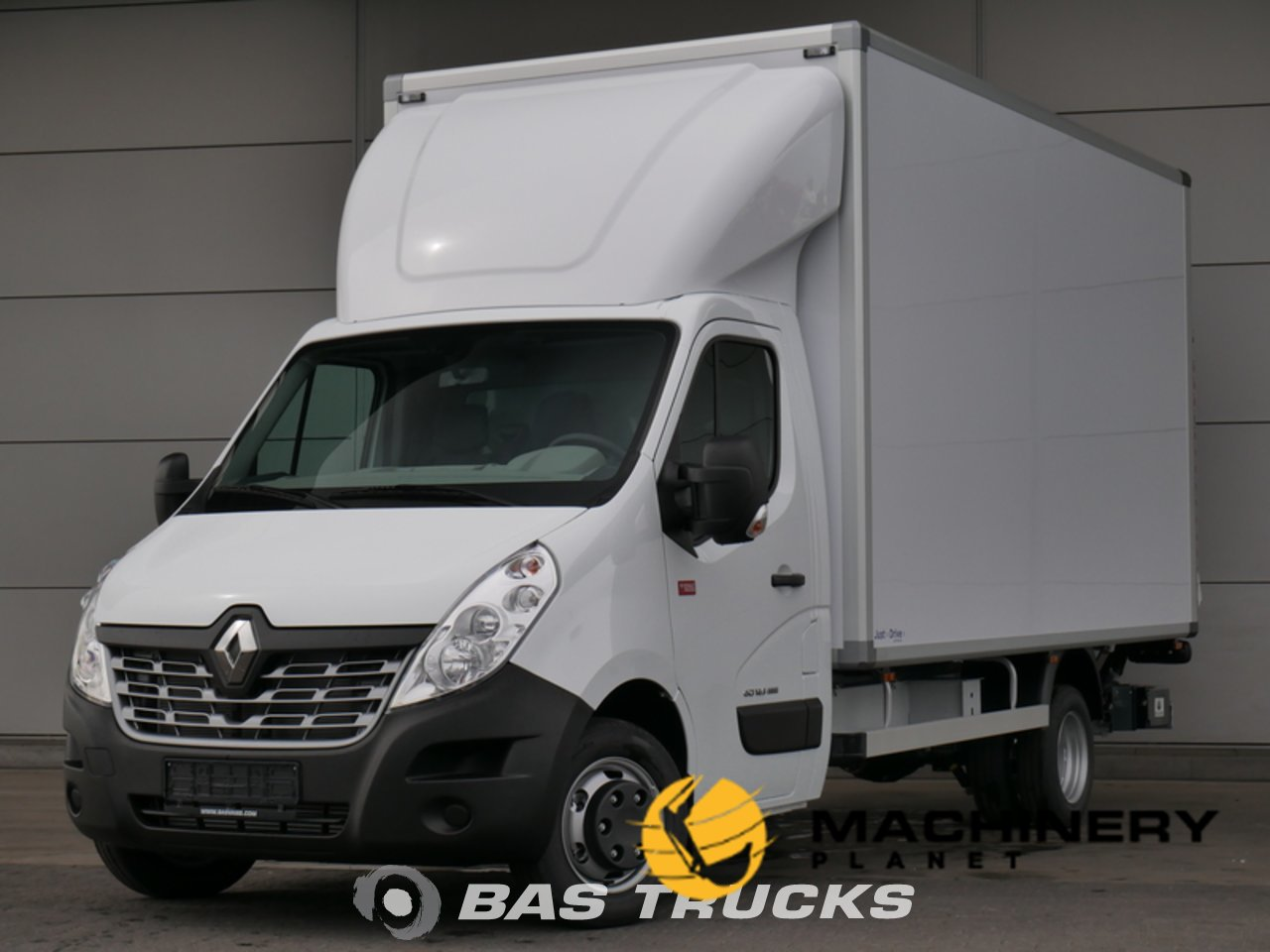 New-Light-commercial-vehicle-Renault-Master_138160_1-1554202345005_5ca33ee9011df-1.jpg