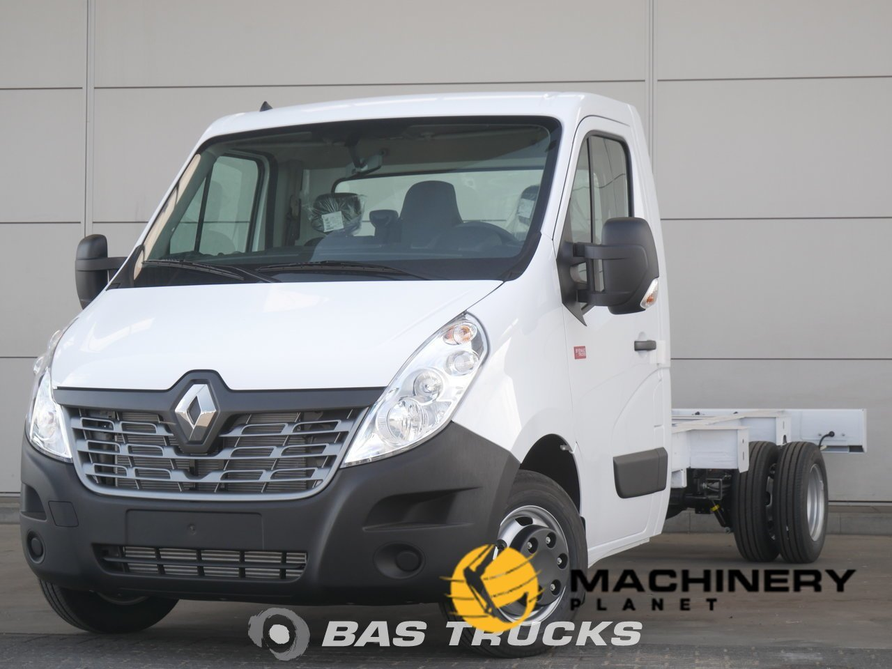 New-Light-commercial-vehicle-Renault-Master_144979_1-1554202674756_5ca34032b8804-1.jpg