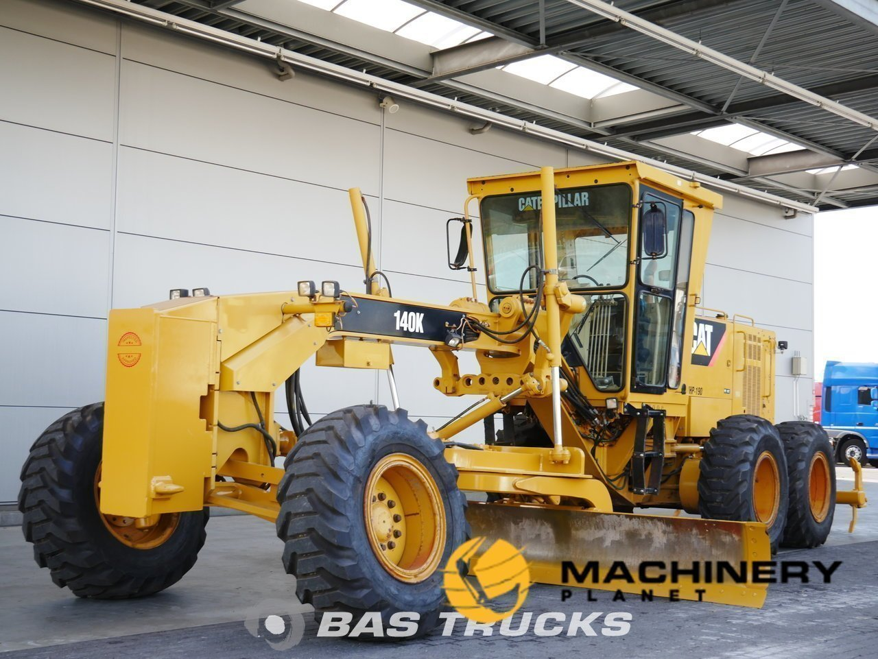 Used-Construction-equipment-Caterpillar-140K-6X4-2011_138136_1-1553941907205_5c9f45933210c-1.jpg