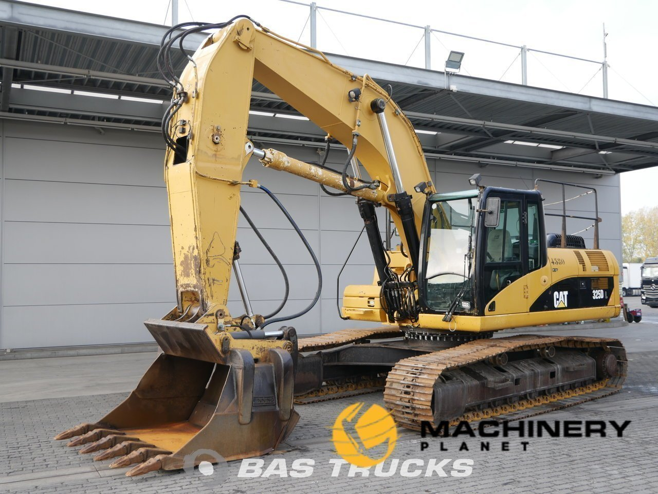Used-Construction-equipment-Caterpillar-325DL-Track-2008_142906_1-1554125685846_5ca21375cea05-1.jpg