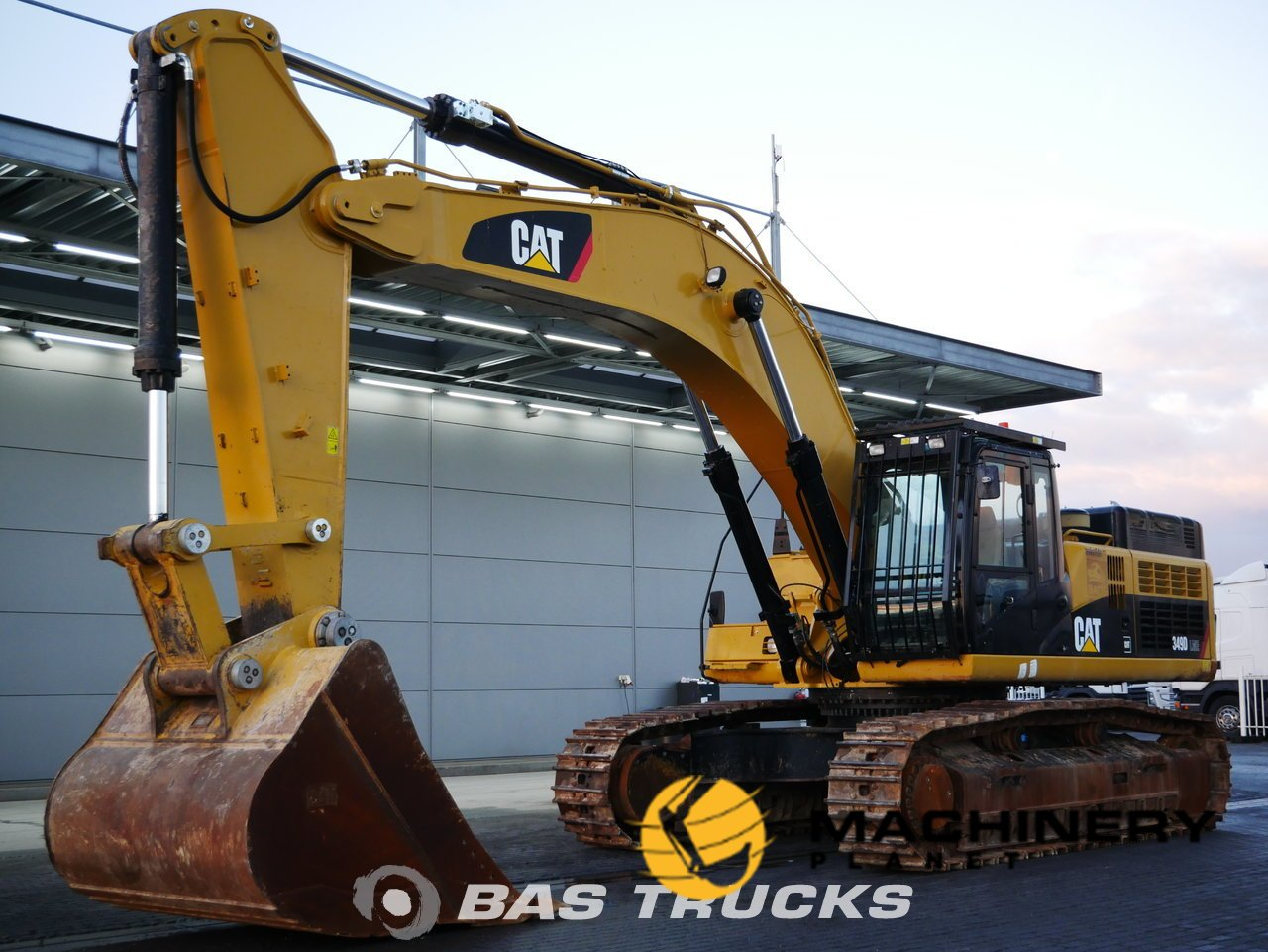 Used-Construction-equipment-Caterpillar-349D-LME-Track-2014_140361_1-1554112672955_5ca1e0a0e92ef-1.jpg