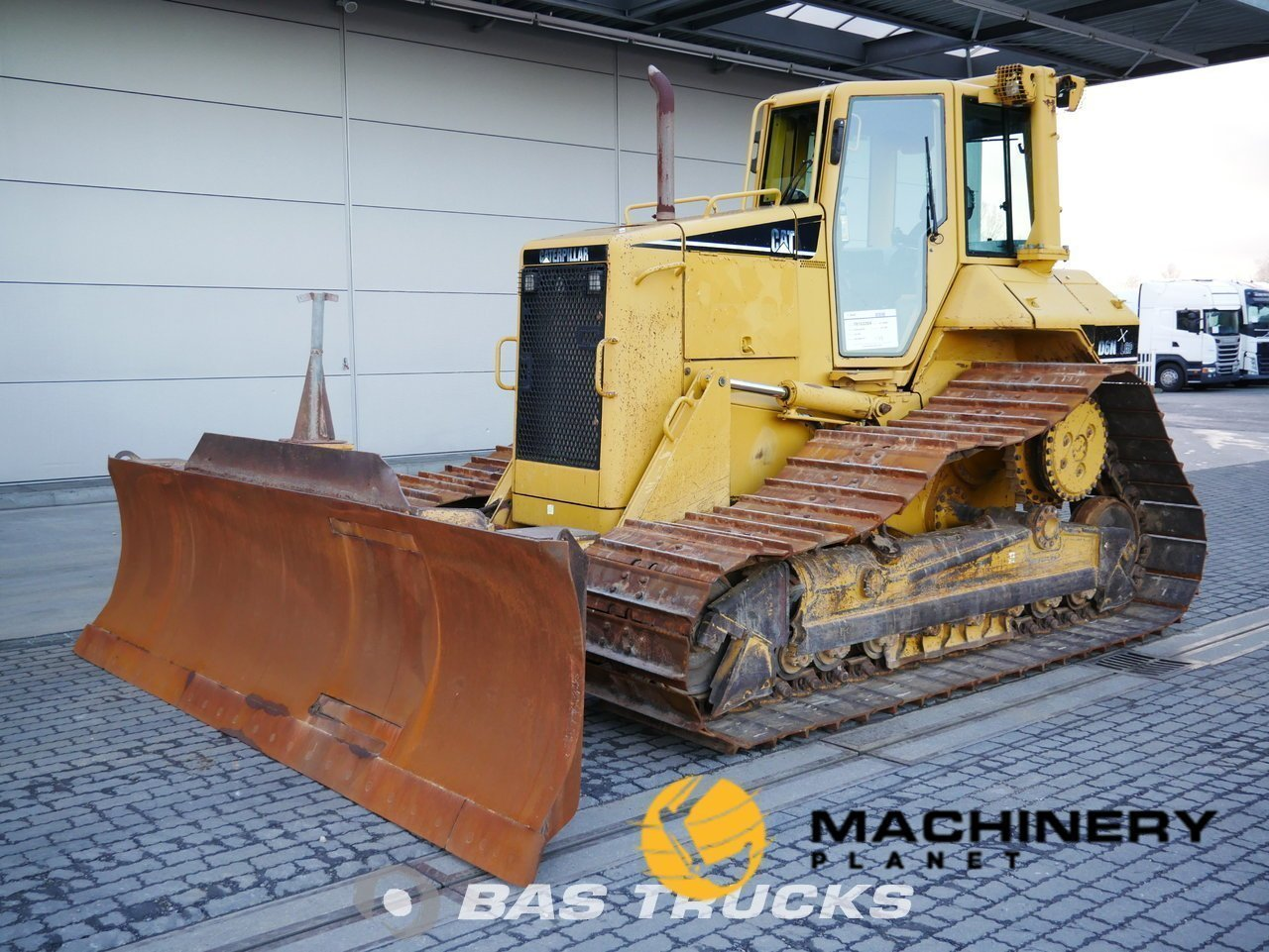 Used-Construction-equipment-Caterpillar-D6N-LGP-Track-2005_145508_1-1554107026654_5ca1ca929fca1-1.jpg