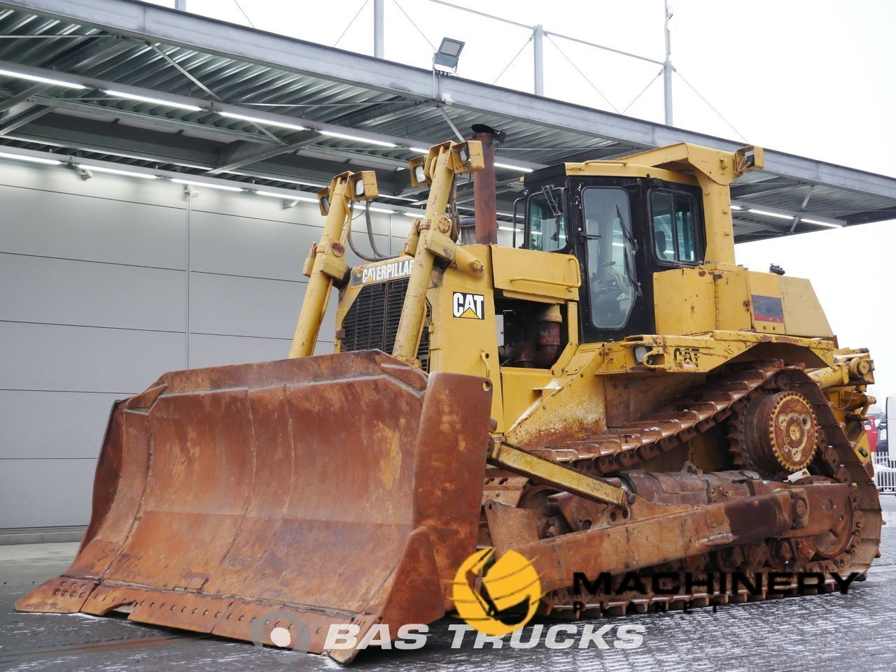 Used-Construction-equipment-Caterpillar-D9R-Track-2001_145931_1-1553935259299_5c9f2b9b49156-1.jpg