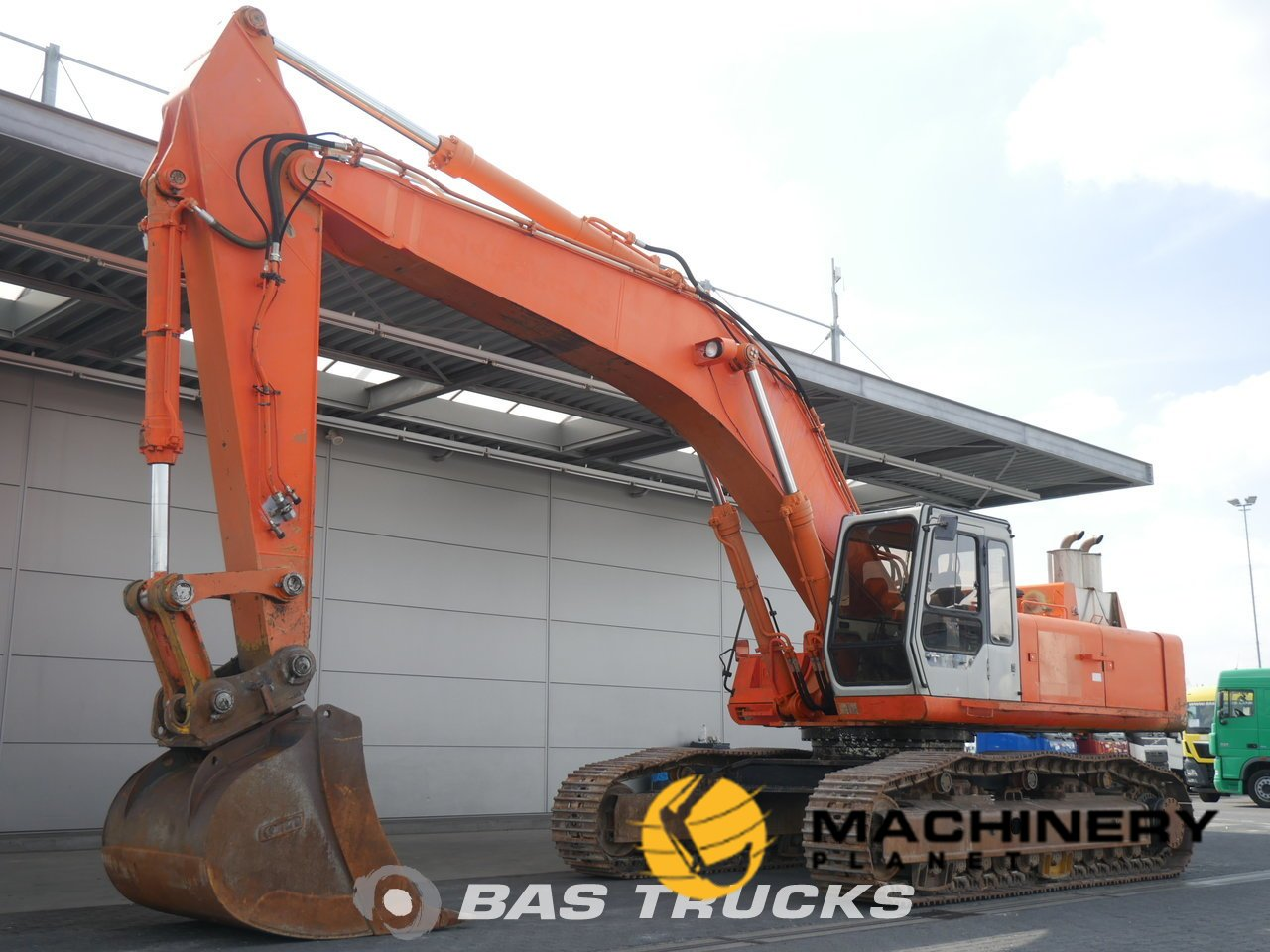 Used-Construction-equipment-Hitachi-FH450LCH-3-Track-1996_138690_1-1554125298955_5ca211f2e9394-1.jpg