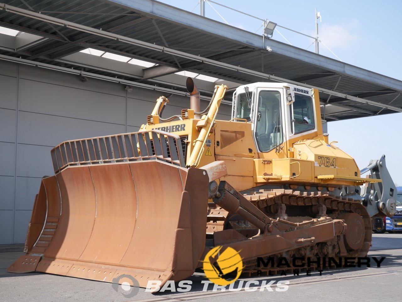 Used-Construction-equipment-Liebherr-764-Track-2007_137962_1-1554107365089_5ca1cbe515c94-1.jpg