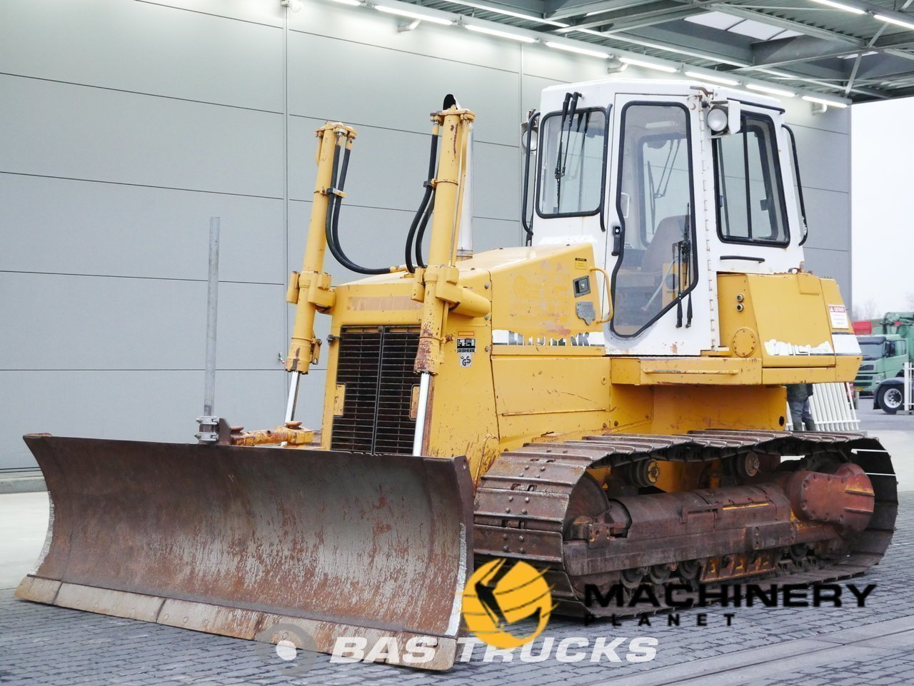 Used-Construction-equipment-Liebherr-PR-712M-Track-1992_144663_1-1553937242832_5c9f335acb25b-1.jpg