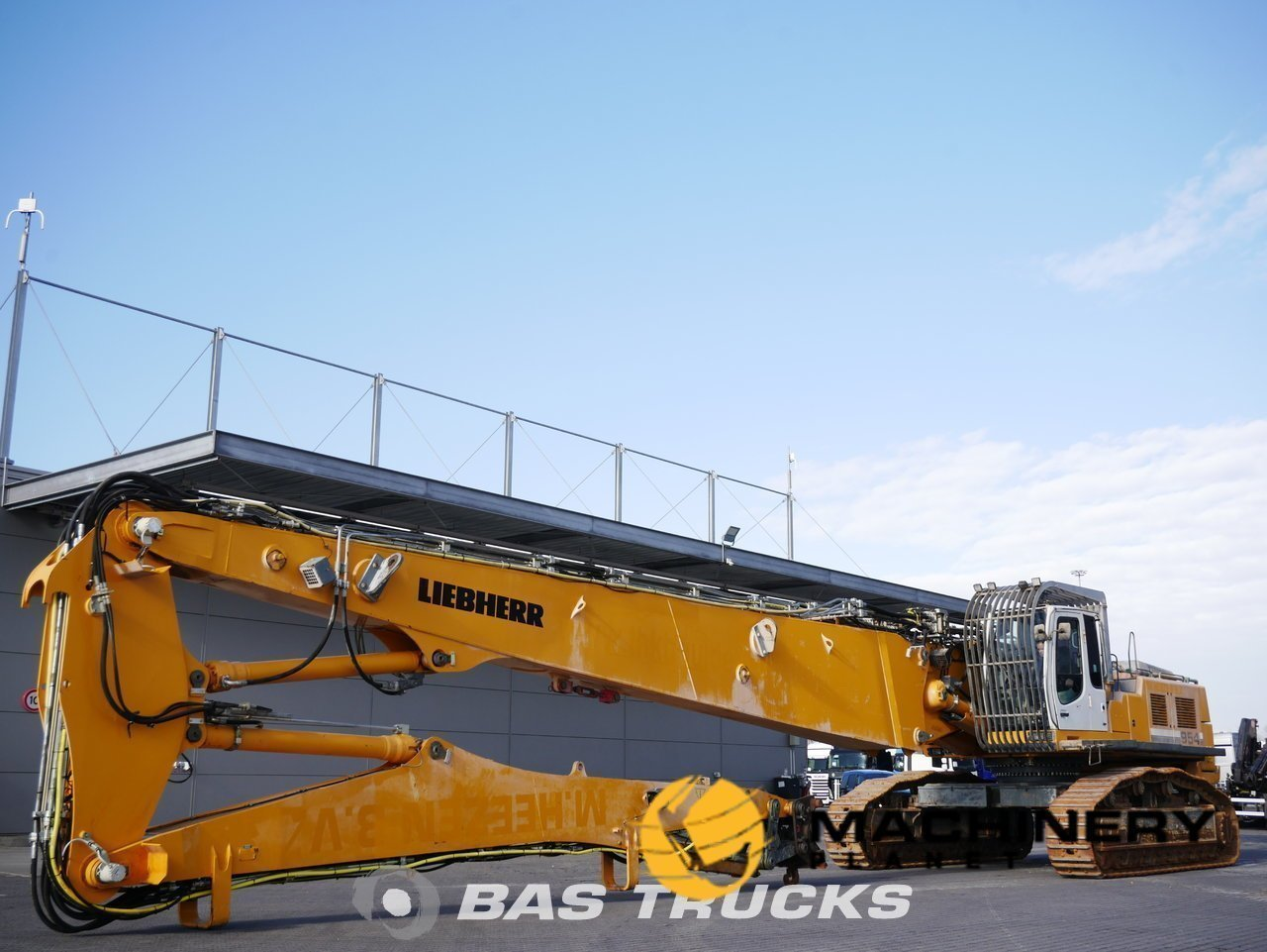 Used-Construction-equipment-Liebherr-R954C-V-HDW-UHD-Track-2009_148477_1-1554197522988_5ca32c12f13d5-1.jpg