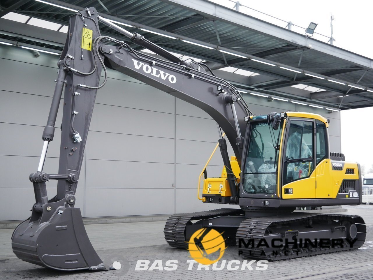 Used-Construction-equipment-Volvo-EC140DL-Track-2018_141856_1-1554100063768_5ca1af5fbb971-1.jpg
