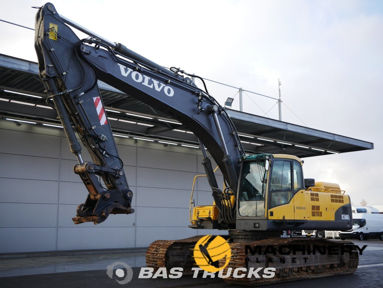 Used-Construction-equipment-Volvo-EC360C-L-Track-2007_144195_1-1554108362842_5ca1cfcacd845-1.jpg
