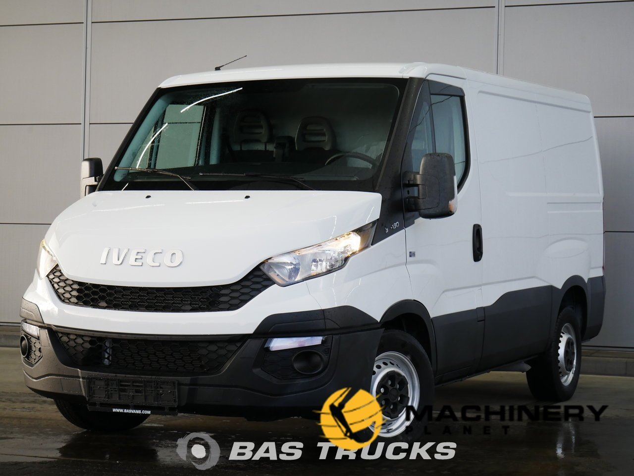 Used-Light-commercial-vehicle-IVECO-Daily-2016_147722_1-1554203648814_5ca34400c6a29-1.jpg