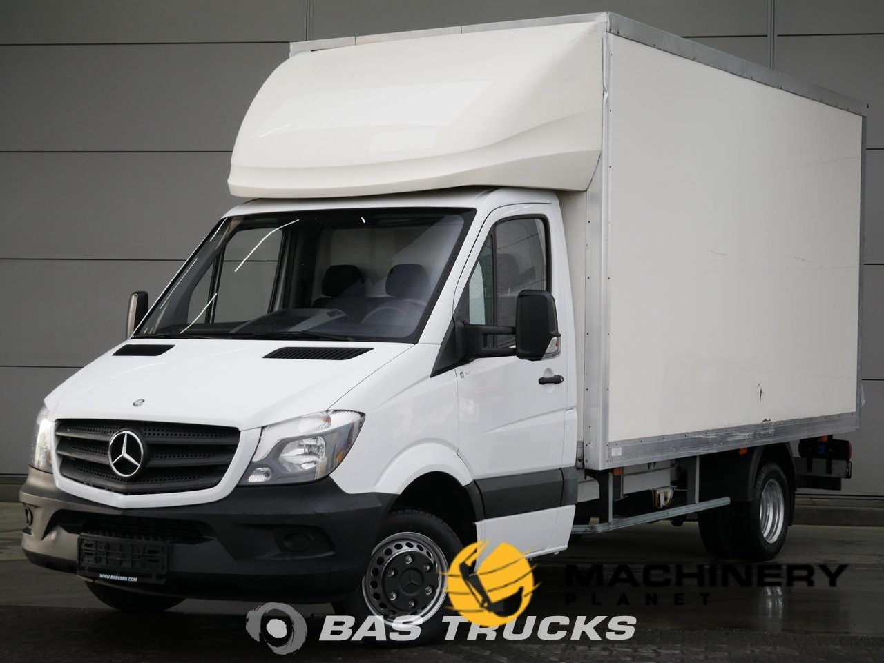 Used-Light-commercial-vehicle-Mercedes-Sprinter-2015_144409_1-1554199292048_5ca332fc0bd65-1.jpg