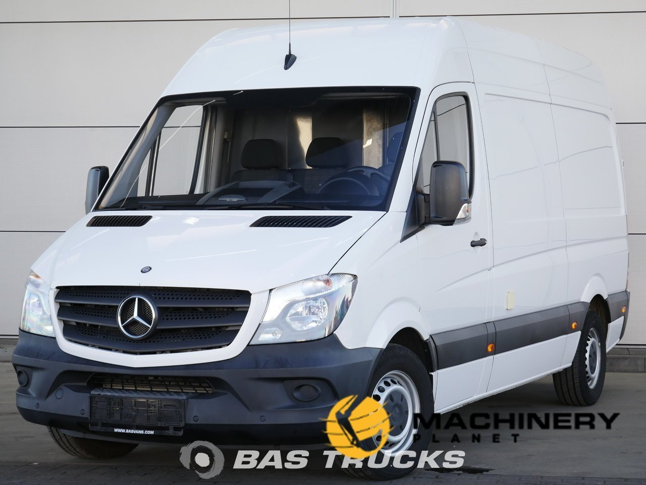 Used-Light-commercial-vehicle-Mercedes-Sprinter-2015_146917_1-1554202726317_5ca340664d5b6-1.jpg