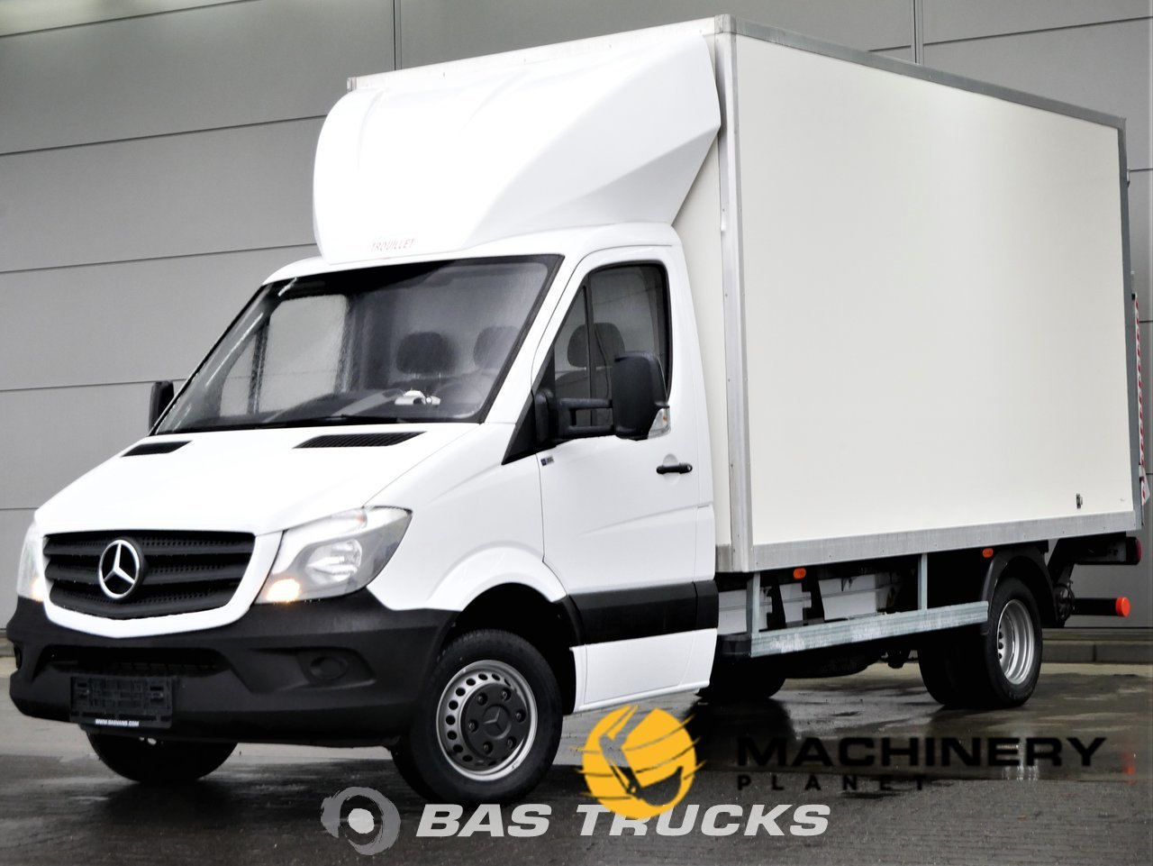Used-Light-commercial-vehicle-Mercedes-Sprinter-2017_148051_1-1554198370595_5ca32f6291264-1.jpg