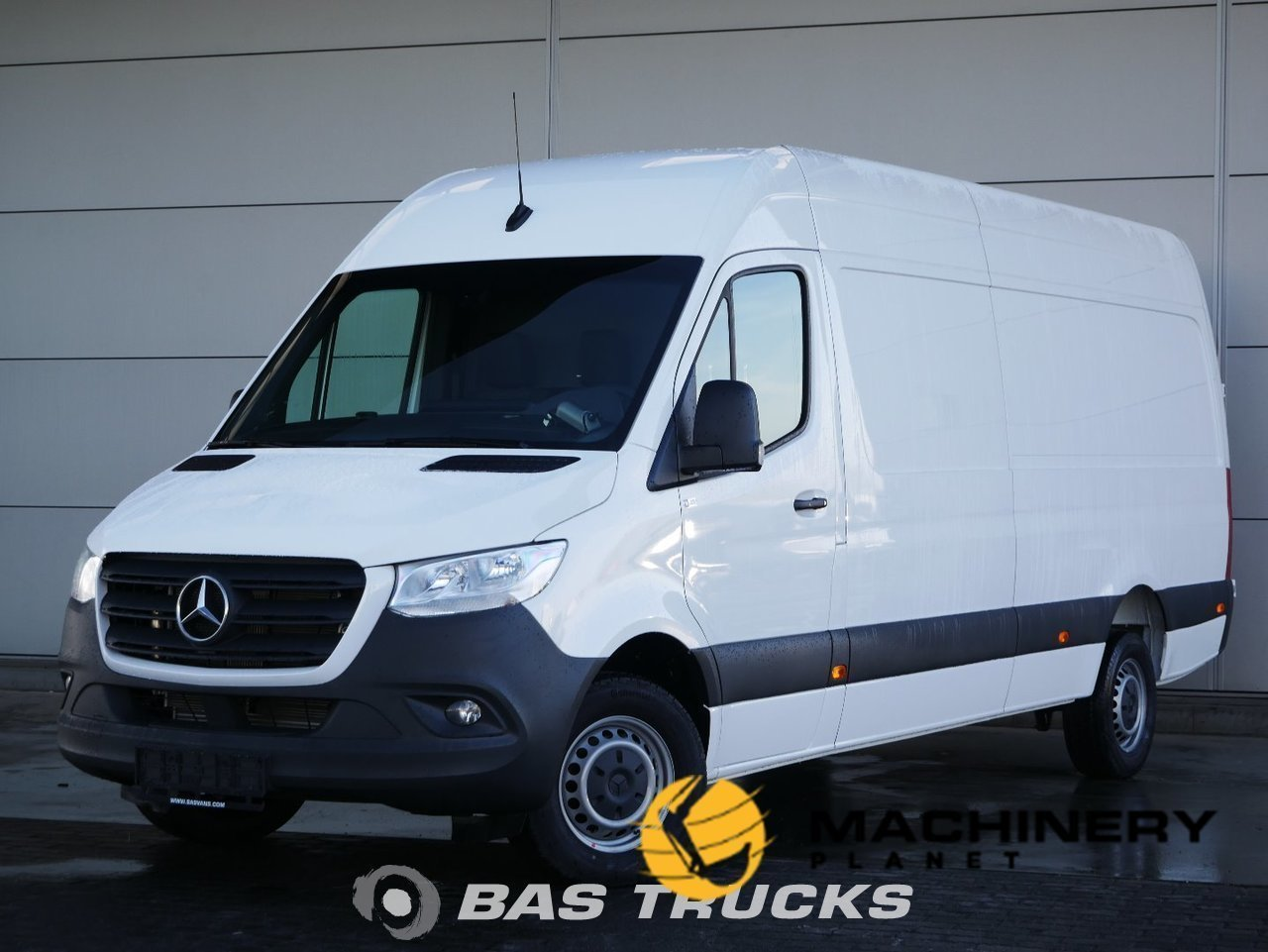 Used-Light-commercial-vehicle-Mercedes-Sprinter-2019_145323_1-1554198344196_5ca32f482fbd6-1.jpg