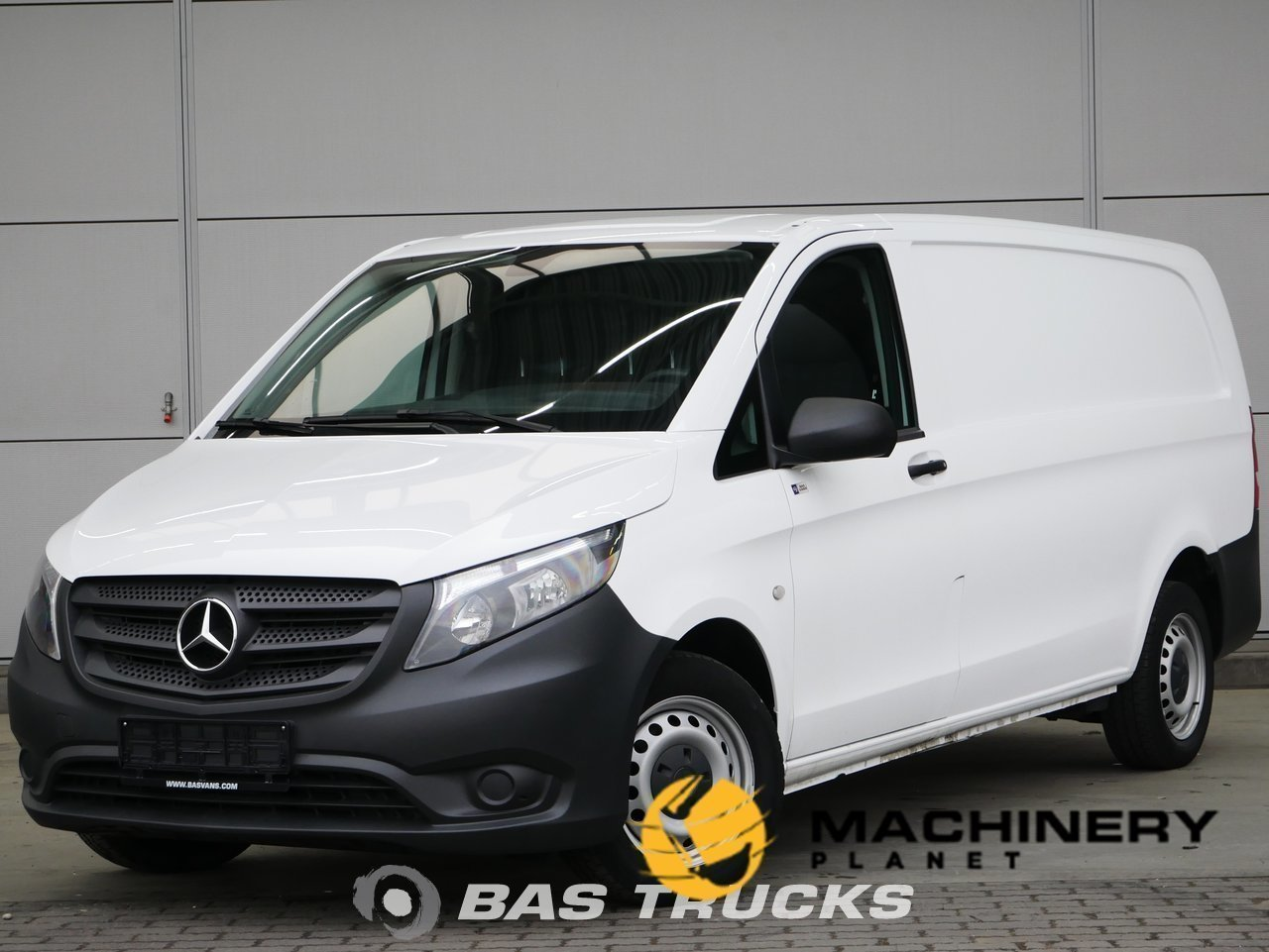 Used-Light-commercial-vehicle-Mercedes-Vito-2017_145649_1-1554198125732_5ca32e6db2a48-1.jpg