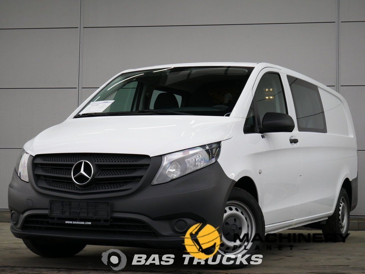 Used-Light-commercial-vehicle-Mercedes-Vito-2017_145650_1-1554199672061_5ca334780ecaf-1.jpg