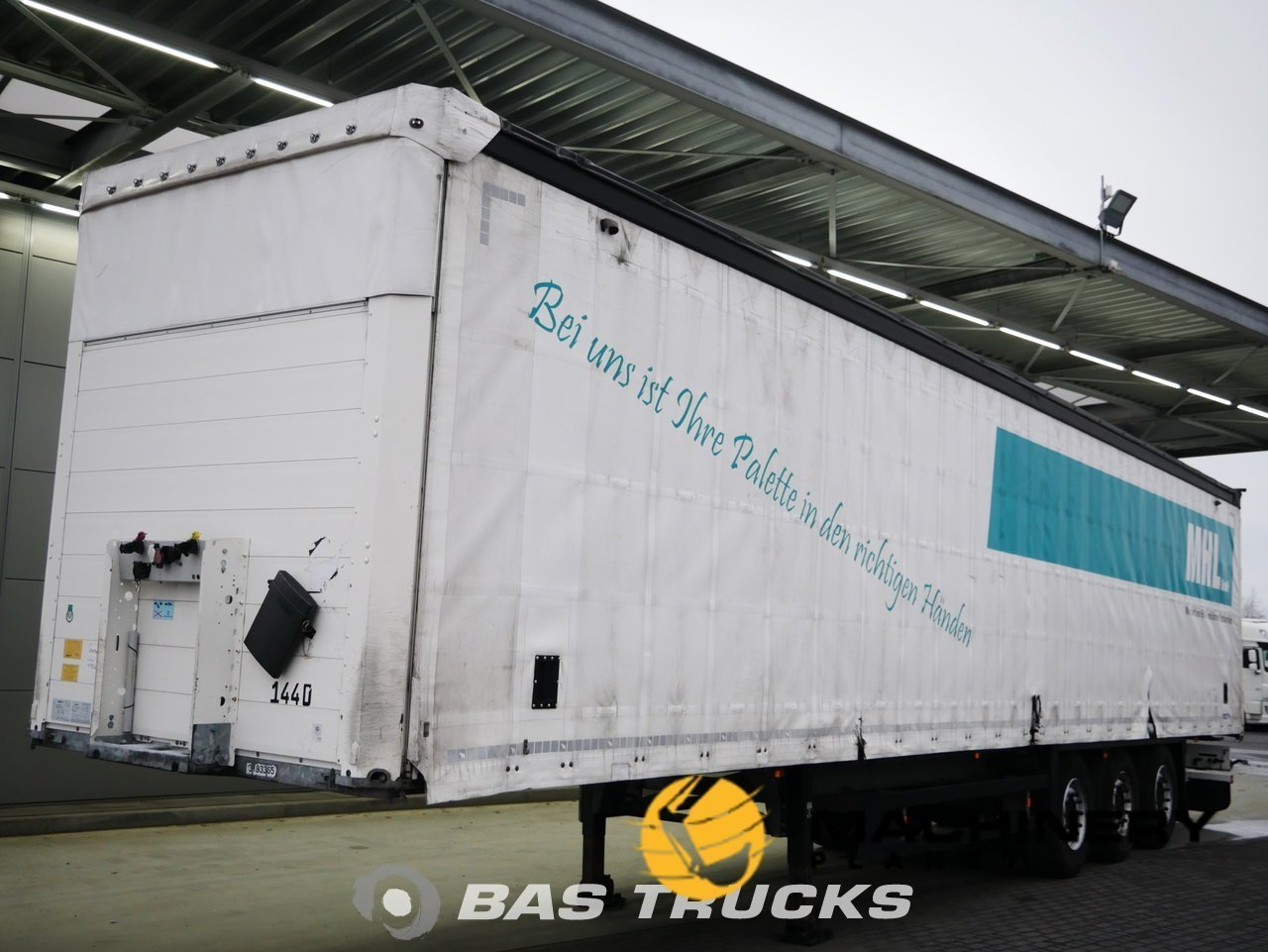 Used-Semi-trailer-Schmitz-SCBS3T-Speed-Curtain-Axels-2014_147054_1-1554197635748_5ca32c83b696c-1.jpg