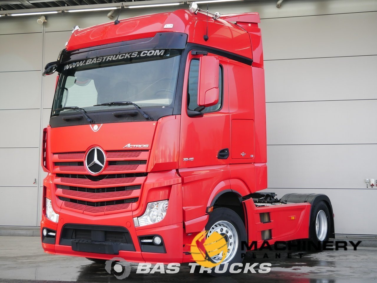 Used-Tractorhead-Mercedes-Actros-1845-LS-4X2-2014_145770_1-1554202143332_5ca33e1f512c0-1.jpg