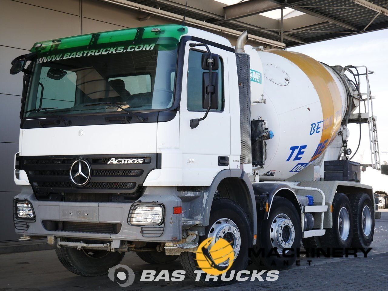 Used-Truck-Mercedes-Actros-3241-8X4-2009_146458_1-1553948877792_5c9f60cdc168a-1.jpg