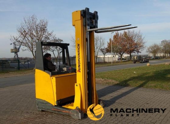 Used_Reach_trucks_For_Sale